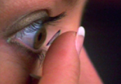 Inserting your RGP contact lenses